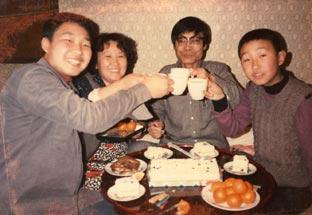 1980年2月、允明の誕生日。14歳 ...